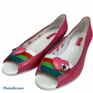 BETSEYVILLE by Betsey Johnson rainbow flat slip on